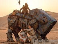 Várka nových fotografií ze sedmých Star Wars (8)